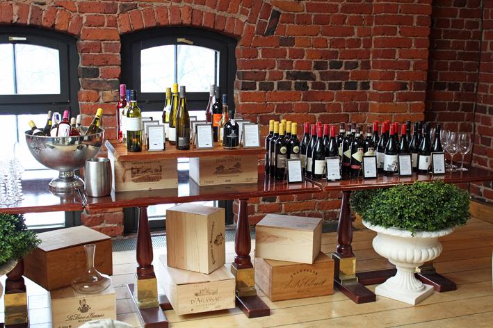 sipuli_viinipöytä