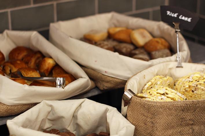 Hilton strand leipäkorit